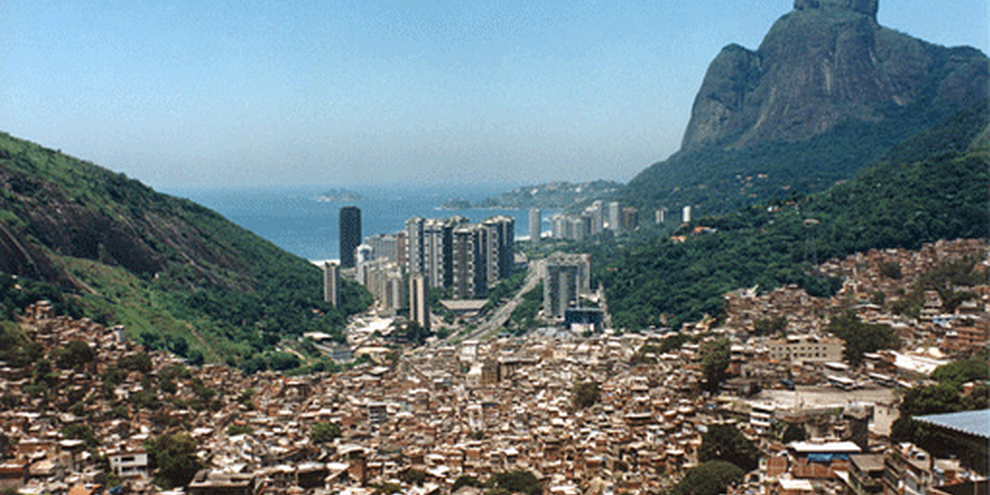 Les Jeux olympiques de 2012 menacent d'expulsion des familles de Rio de Janeiro. © Kita Pedroza/Viva Favela