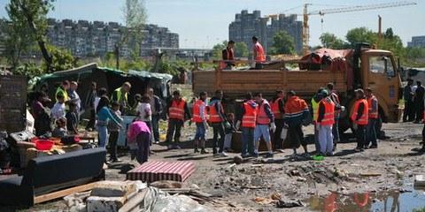 Expulsion forcée à Belvil, le 26 avril 2012  © Amnesty International
