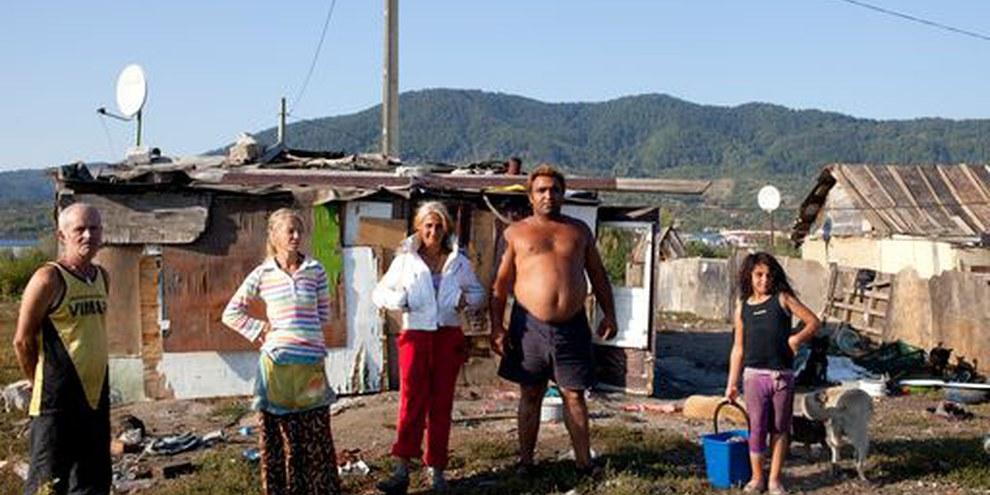 Les individus interviewés par les chercheurs d'Amnesty International, Pirita, Baia Mare, Romania, September 2011. © Mugur Vărzariu