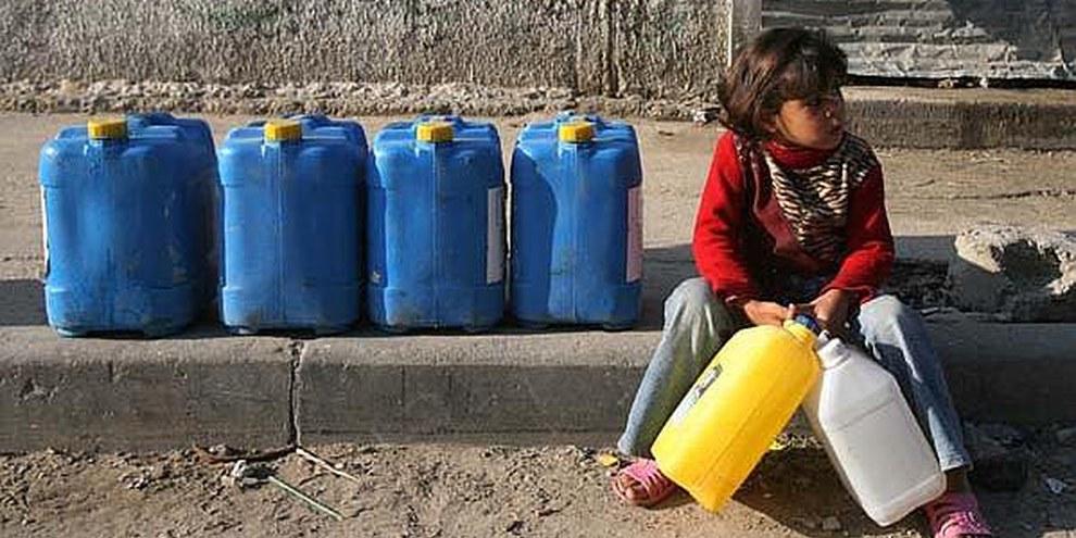 Dans la bande de Gaza, plus de 90% de l'eau disponible est polluée et impropre à la consommation. © Iyad El Baba/UNICEF-oPt