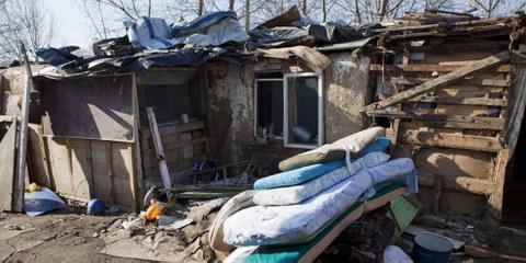 Habseligkeiten von vertriebenen Roma, Belgrad, Serbien. 7 März 2012. © Sanja Knežević