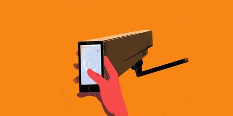 La surveillance mise en place par Facebook et Google représente une menace pour une série de droits, tels que  les droits à la liberté d'opinion, d'expression et de pensée, ainsi que les droits à l'égalité et à la non-discrimination. © Sebastien Thibault/agoodson.com