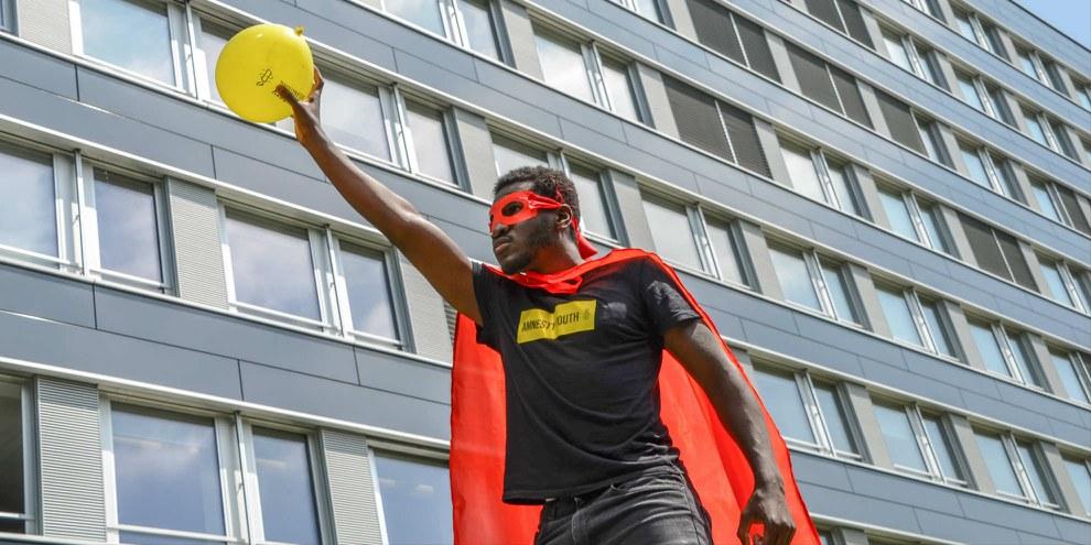 Un giovane militante durante l'Assemblea Generale di Amnesty a Berna. © Amnesty International