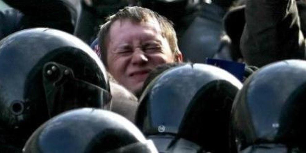 Forze di sicurezza reprimono con la violenza una manifestazione in Bielorussia © Photo.Bymedia.net