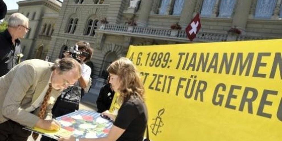 Il Consigliere agli Stati Dick Marty solidale con le vittime di Tiananmen© Valérie Chételat