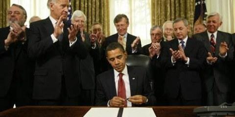 Barack Obama autorizza la chiusura di Guantanamo © AP/PA Photo/Charles Dharapak