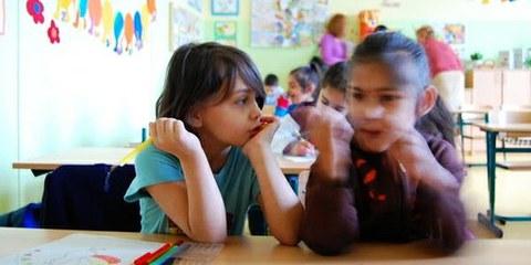 Un Obiettivo del Millennio: migliorare l'accesso all'educazione per le bambine. © AI