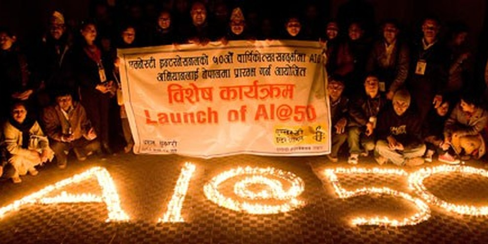 Una festa per il giubileo di Amnesty International in Nepal. © AI