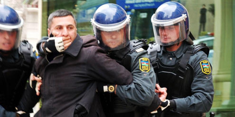 Repressione di manifestanti in Azerbaigian © IRFS