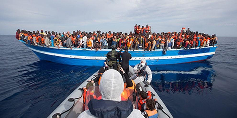 L'Italia ha salvato 140 000 migranti, ma sono ancora 2500 le persone annegate dall'inizio del 2014 | © Massimo Sestini / eyevine
