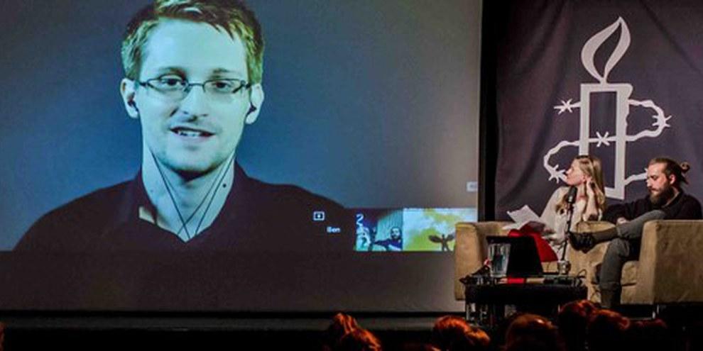 Edward Snowden durante un evento a Londra nel giugno 2015. © Rudi Netto