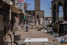Migliaia di curdi costretti a lasciare le proprie case.