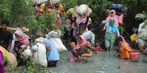 Un popolo in fuga: i musulmani rohingya lungo la frontiera tra Myanmar e Bangladesh © Zakir Hossain Chowdhury/Anadolu Agency/Getty Images