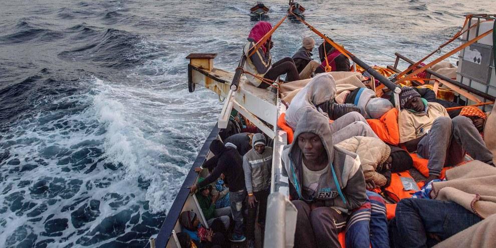 Le traversate del Mediterraneo centrale sono sempre più pericolose per le persone in cerca di protezione.  © 2017 Getty Images