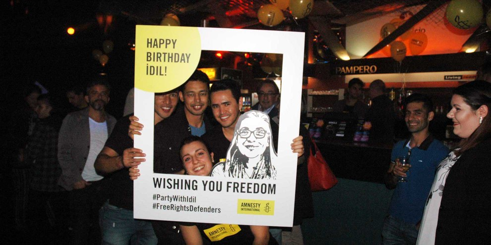 Party per Idil in Lugano. © Amnesty International