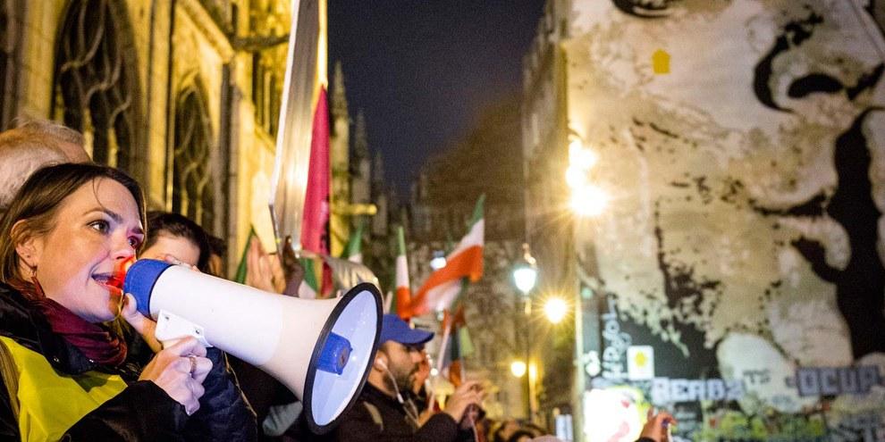 A Parigi manifestanti chiedono protezione per i civili a Aleppo © Pierre-Yves Brunaud / Picturetank