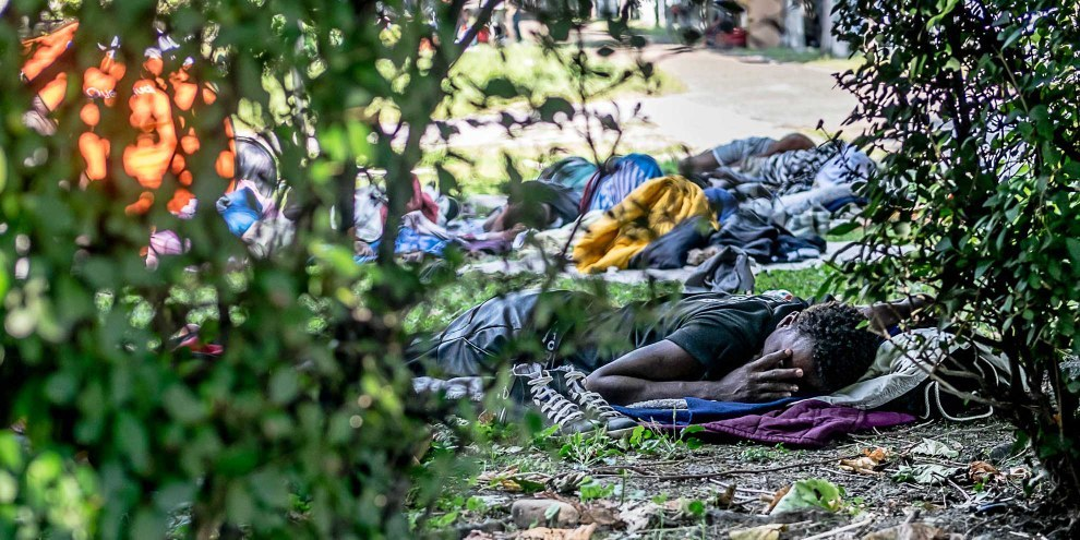 La autorità svizzere hanno proceduto a migliaia di rinvii forzati illegali verso l'Italia nel 2016. © Klaus Petrus