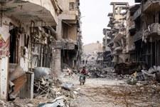 """Migliaia di """"localizzatori di bombardamenti"""" per ricostruire la distruzione di Raqqa"""