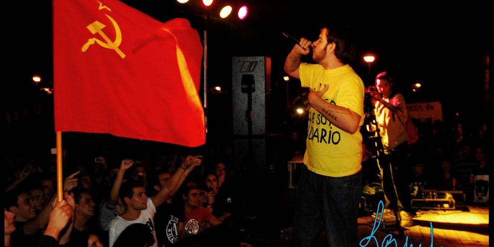 """Il rapper spagnolo Pablo Hasél, condannato a due anni di carcere nel 2014 per """"apologia del terrorismo"""" par brani diffusi su YouTube, è attualmente sotto processo per dei messaggi pubblicati tramite Twitter. © DR"""