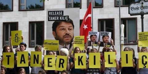 Contro ogni logica rimane in carcere il presidente di Amnesty Turchia
