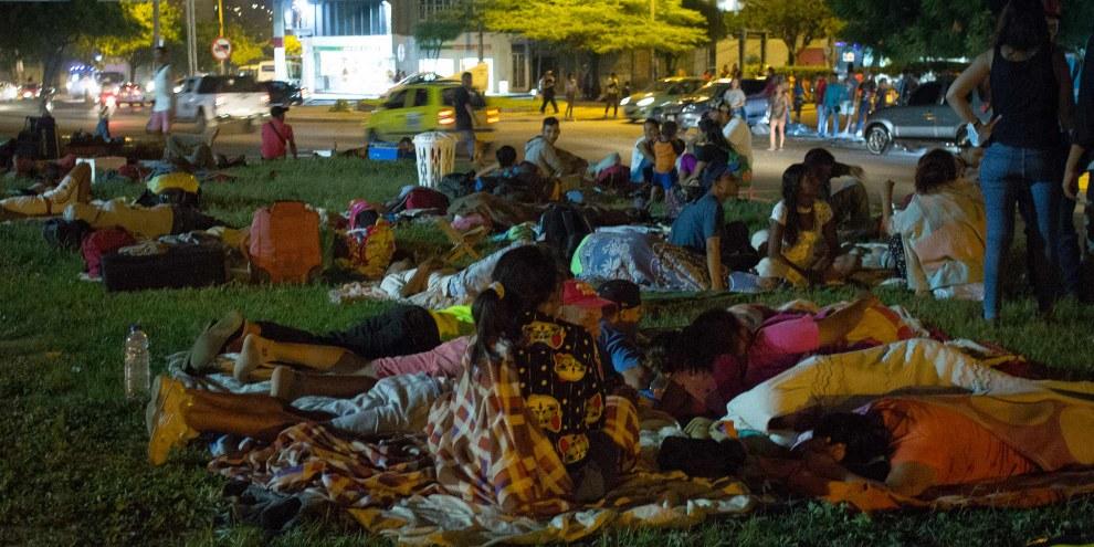 Migranti provenienti dal Venezuela dormono per le strade di Cúcuta, Colombia ©Amnesty International