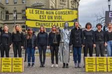 37'000 persone chiedono una revisione del Codice penale in materia di reati contro l'integrità sessuale in Svizzera