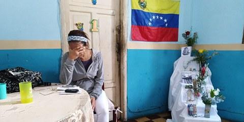 Una parente di Alixon Osorio Dos Santos Pisani, ucciso nel corso di una manifestazione il 22 gennaio 2019 © Amnesty International