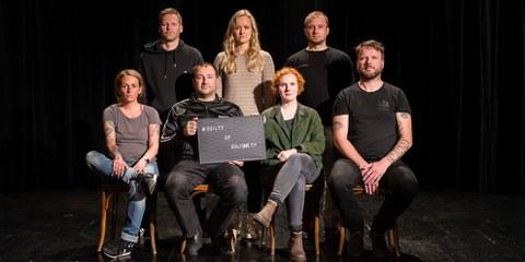 Alcuni volontari conosciuti come Iuventa10, da sinistra a destra: Pia, Sascha, Dariush, Zoe, Laura, Ulrich, Hendrik © Iuventa10 / Paul Lovis Wagner