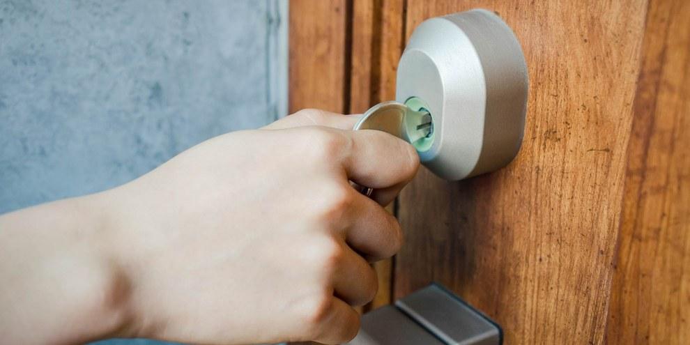 L'assegnazione agli arresti domiciliari sarebbe possibile sulla base di semplici sospetti riguardo quanto la persona potrebbe fare in futuro. © LFO62 / shutterstock.com